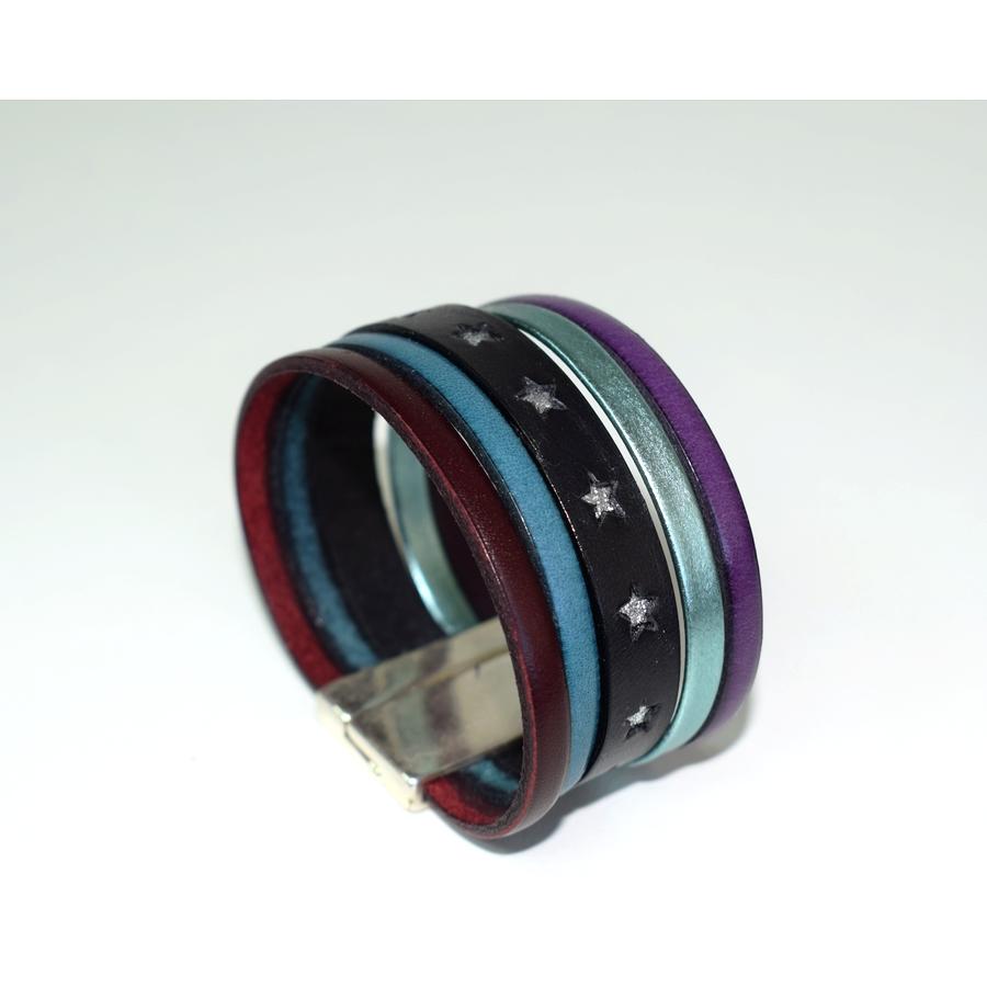bracelet en cuir large laura descamps. Black Bedroom Furniture Sets. Home Design Ideas
