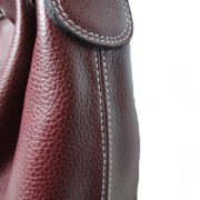 Vue macro du sac cabas en cuir