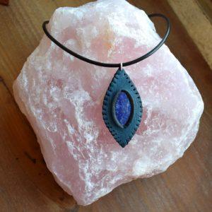 Collier cuir et Lapis-lazuli